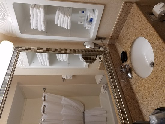 BEST WESTERN PLUS Woodway Waco South Inn & Suites: 20161226_232144_large.jpg