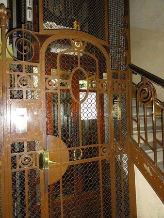 Casa de Billy Barcelona: Ground floor of the building