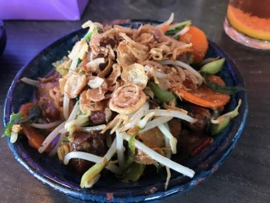 Caversham, Австралия: Asian Pork Belly with Kai Lam, carrot, soy and crispy shallots
