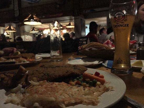Alphorn Swiss Restaurant: photo0.jpg