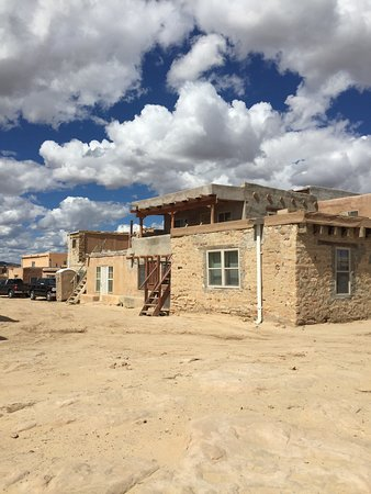 meet pueblo of acoma singles Make this your first stop to discover pueblo indian culture in new mexico founded in 1976 by the 19 pueblos of new mexico, the indian pueblo cultu.