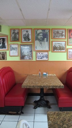 Alamo Restaurant: interior of the restaurant