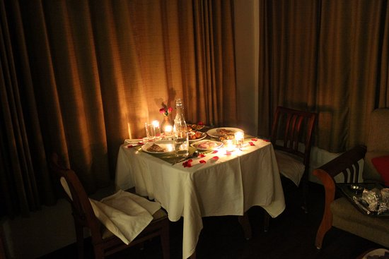 Was ist candle light dinner