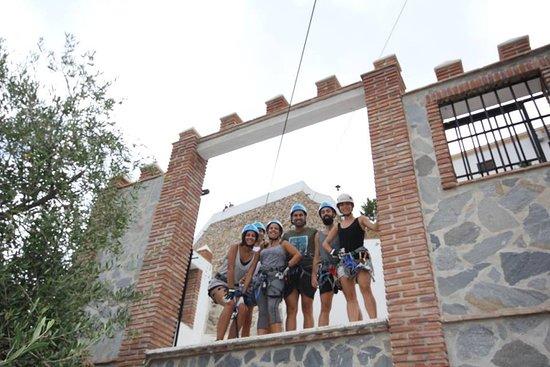 Comares, İspanya: Los amigos preparados  EN LA SALIDA. Inolvidable.