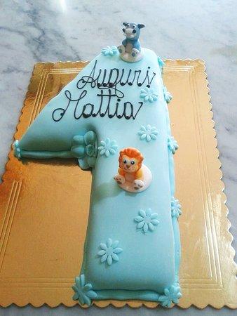 Costalpino, Italia: Torta Compleanno