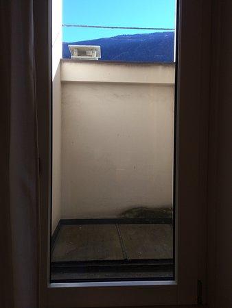 Aussicht aus superiorzimmer 205 bild von hotel corona for Stufe corona