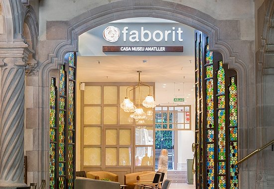 Faborit fresh bar barcellona eixample ristorante for Hotel economici barcellona