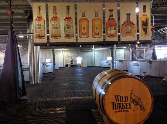 Lawrenceburg, KY: Center of fermenter room