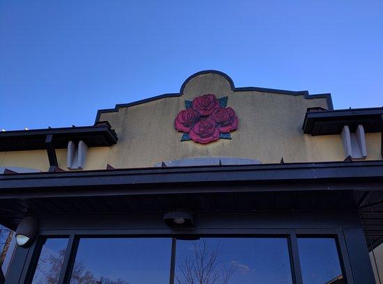 Lawrenceburg, KY: Signature Logo of Four Roses