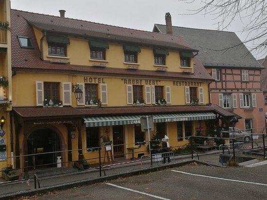 Schlossblick photo de hotel a l 39 arbre vert kaysersberg for Hotels kaysersberg