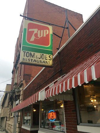 Altoona, Πενσυλβάνια: Tom & Joe's Restaurant