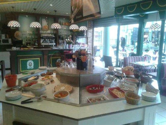 Gonfreville-l'Orcher, France: Pizzas à emporter jusqu'à 20h (L, Ma, Me), 19h (J) et 21h (V, S) en les commandant le midi.