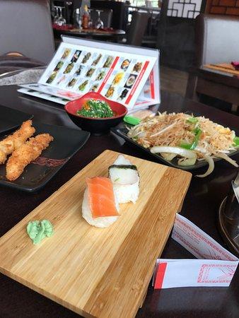 Restaurante restaurant jardin en orihuela con cocina china for Restaurante chino jardin