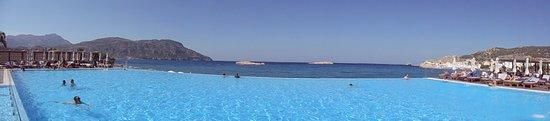 Alimounda Mare: Panorámica de la piscina.