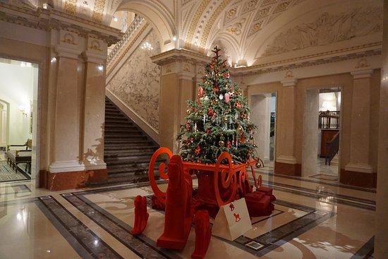 Four Seasons Hotel Lion Palace St. Petersburg: Entrance