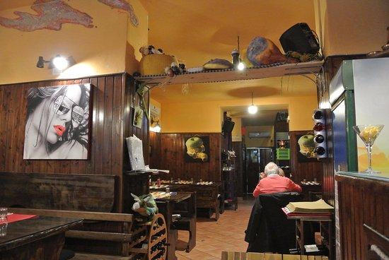 Via Sedile Di Porto 51.Interno Foto Di Tandem Sedile Di Porto Napoli Tripadvisor