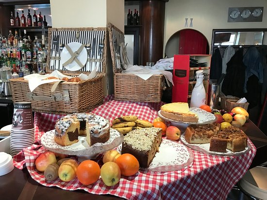 Vorstadt-Cafe: Great cakes available