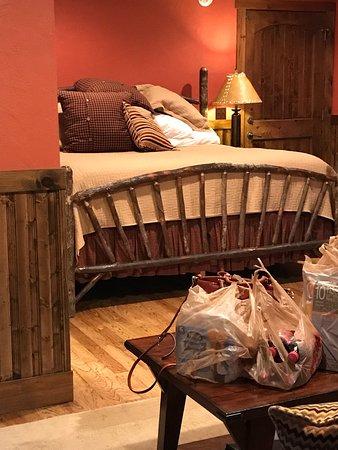 Robbinsville, Carolina del Norte: Our cabin... White Oak 2...so cozy and clean !!