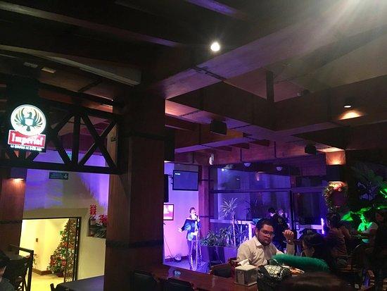 El Bar del Patio: live music