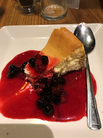 Farmhouse Beefeater: Baked Cheesecake dessert