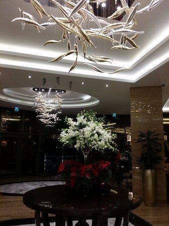 Hall d\'entrée - Picture of DAMAC Maison De Ville Breeze, Dubai ...