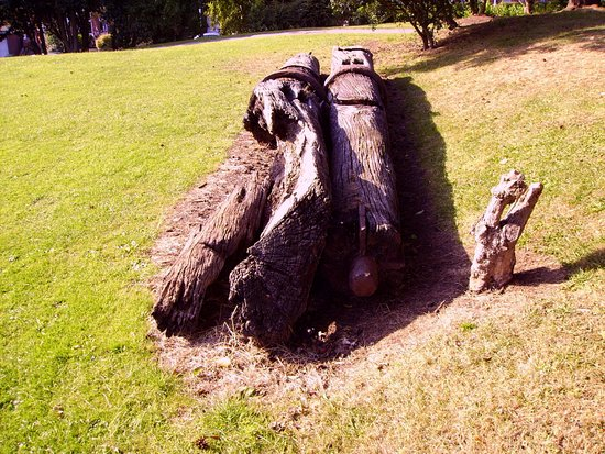 Whitby Museum: Ships timbers in the Pannett Park.
