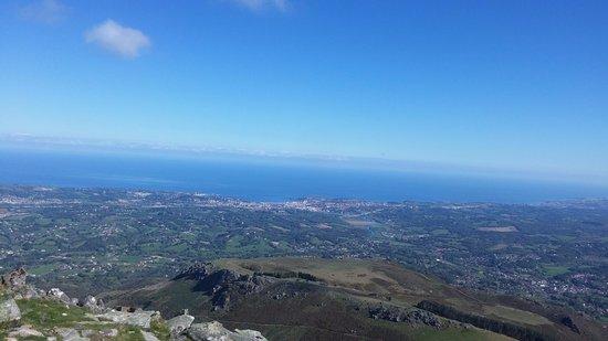 Sare, France : Le point de vue sur la côte Basque