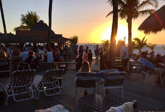 Outrigger Beach Resort: Sunset at the tiki bar.