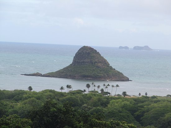 Kaneohe, HI: Chinaman's hat from a distance