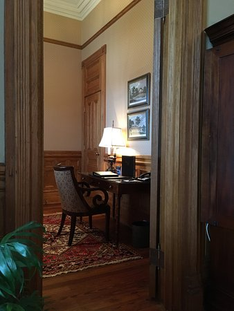 Wentworth Mansion: Office