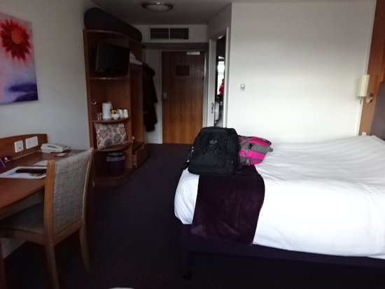 Premier Inn Edinburgh City Centre (Princes Street) Hotel Photo