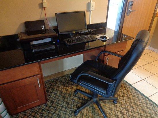 Willmar, Minnesota: Business center