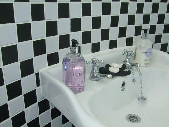 Lossiemouth, UK: Room 5 bathroom