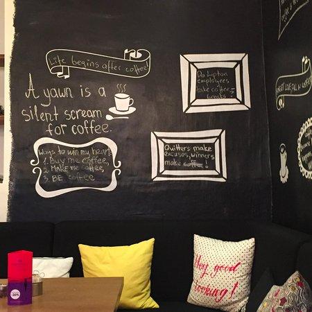 Cafe Mademoiselle: Interior
