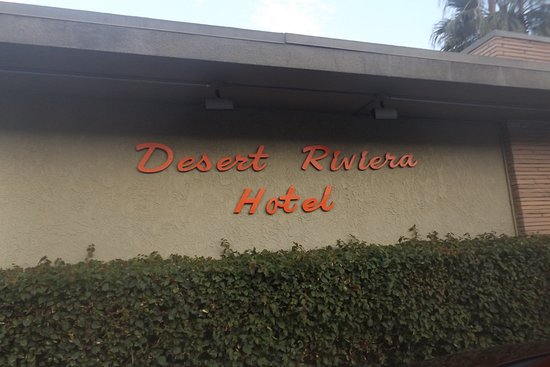 Desert Riviera Hotel: Fabulous intimate hotel with homey feel