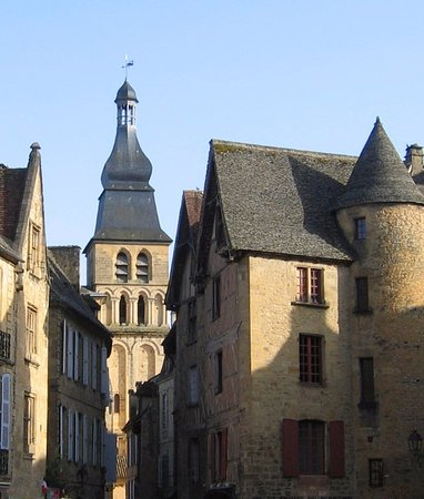 Cathedrale Saint-Sacerdos: clocher