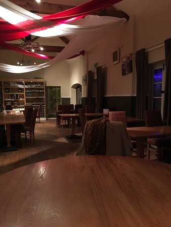 The Offley Arms: Empty