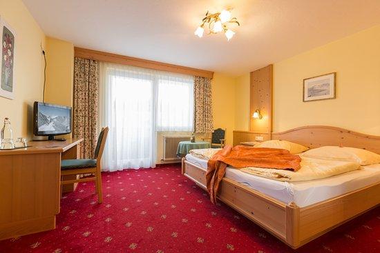 Photo of Hotel Schoenegg Seefeld