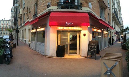 Levallois-Perret, فرنسا: Un joli rouge qui donne envie dès l'entrée 🤗