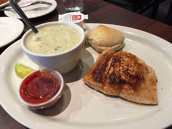 Joe's Oyster Bar & Grill: photo3.jpg