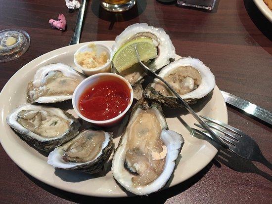 Joe's Oyster Bar & Grill: photo4.jpg