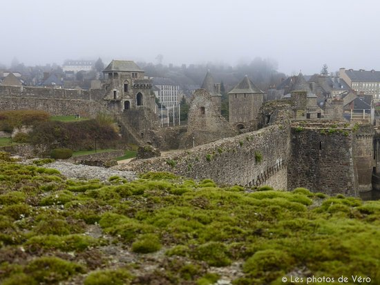 fougeres photos featured pictures of fougeres ille et vilaine tripadvisor. Black Bedroom Furniture Sets. Home Design Ideas