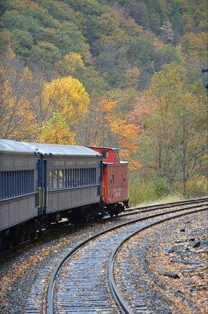 Jim Thorpe, PA: Fall views from train