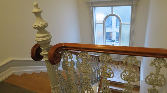 Ascot Hotel: Ornate Staircase