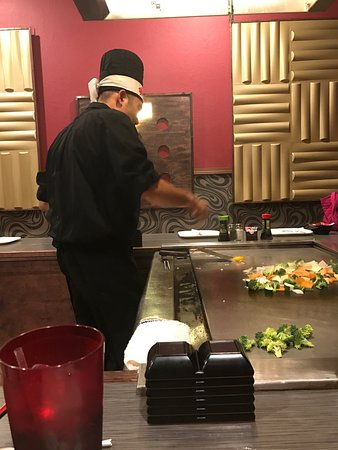 Mountain Home, AR : Hibachi grill, California roll and Onion soup