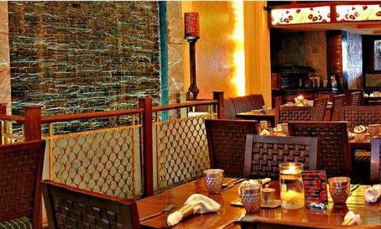 Sitar Indian Restaurant: Sitar Seating