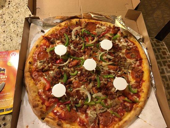Manhattan Pizza Picture Of Joe S New York Pizza Las Vegas