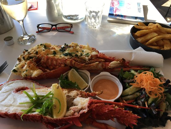 Stanley, Australien: Top Lobster Mornay and bottom Au naturel.. Yummo !!