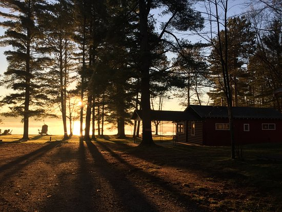 Manitowish Waters, WI: Sunrise on Beachview Cabin