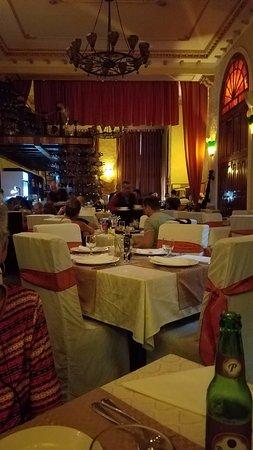 Piano Bar Delirio Habanero: Inside Delirio's Restaurant